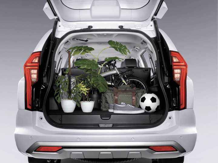 new-pajero-sport-interior03.jpg